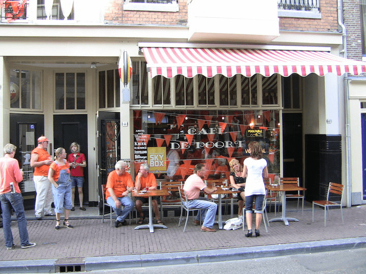 Caf de poort chainels for Cafe de poort utrecht